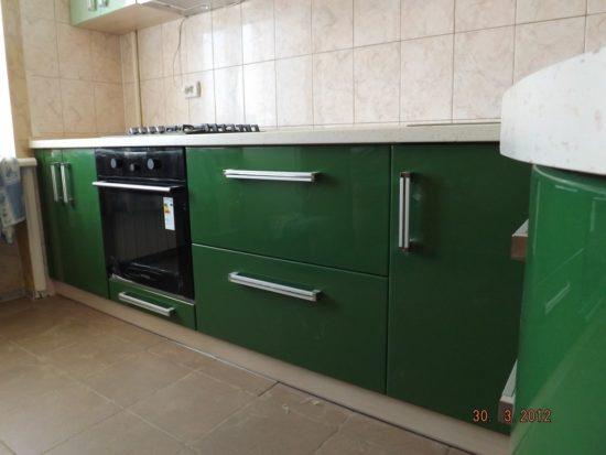Кухня из крашеного МДФ с радиусным фасадом