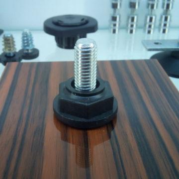 Ножка регулируемая SR01 для мебели