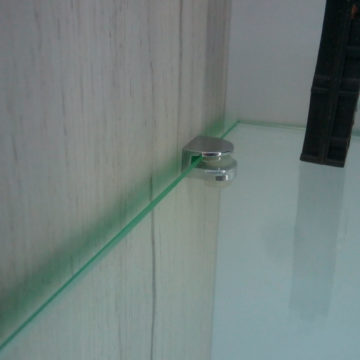 Полкодержатель С для стекла под саморез с винтом