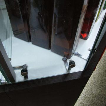 Крепёж стекла между собой и к основанию