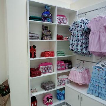 Торговый стеллаж для магазина детской одежды в г. Днепр