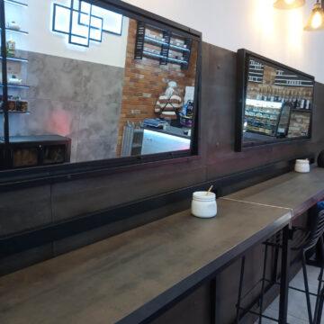Зеркало лофт в кофейню