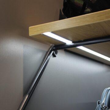 Подсветка в полке на металлическом каркасе