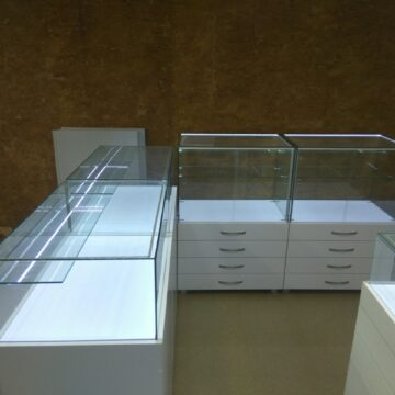 Торговая мебель для бижутерии