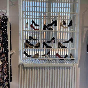 Полка для магазина обуви из металла