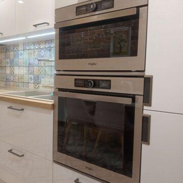 Встроенная техника на кухне: духовка и микроволновка