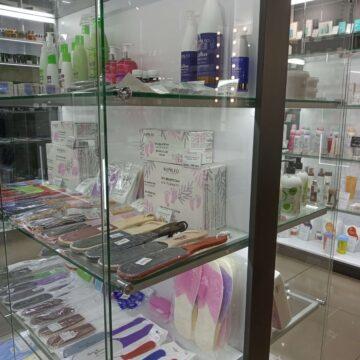 Островные прилавки в магазин профессиональной косметики