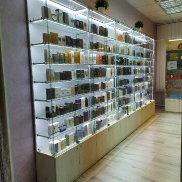 Витрины для магазина парфюмерии Desir
