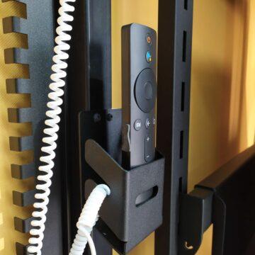 Кармашки для пультов на ТВ стенку в магазин электроники и гаджетов