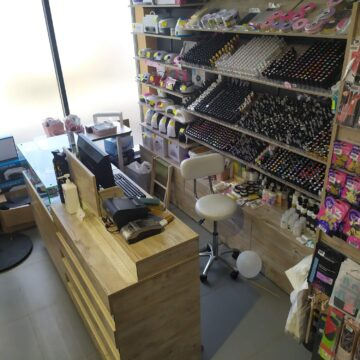 Касса-ресепшн в магазин профессиональной косметики